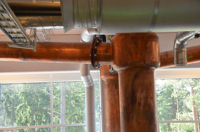da oben geht der Alkoholdampf durch zum kondensieren nach unten
